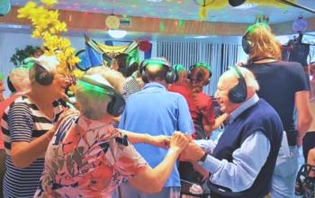 silent disco ouderen